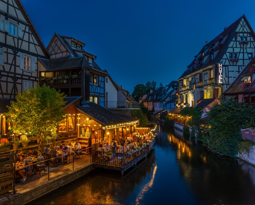 canal night